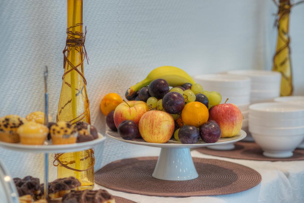 Obstschale und Muffin Étagère